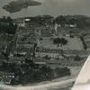 Rok 1930. Widok miasta z lotu ptaka: rynek główny, Ratusz, wyspa na jeziorze Kalwa.