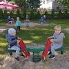 Zabawy na podwórku-Muchomorki